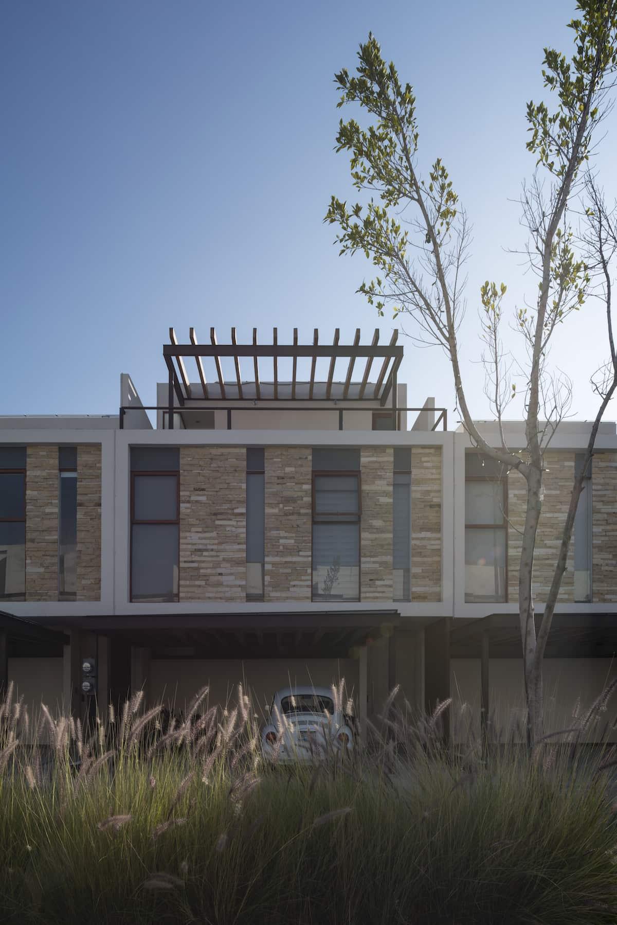 loreta-vertical-house-07