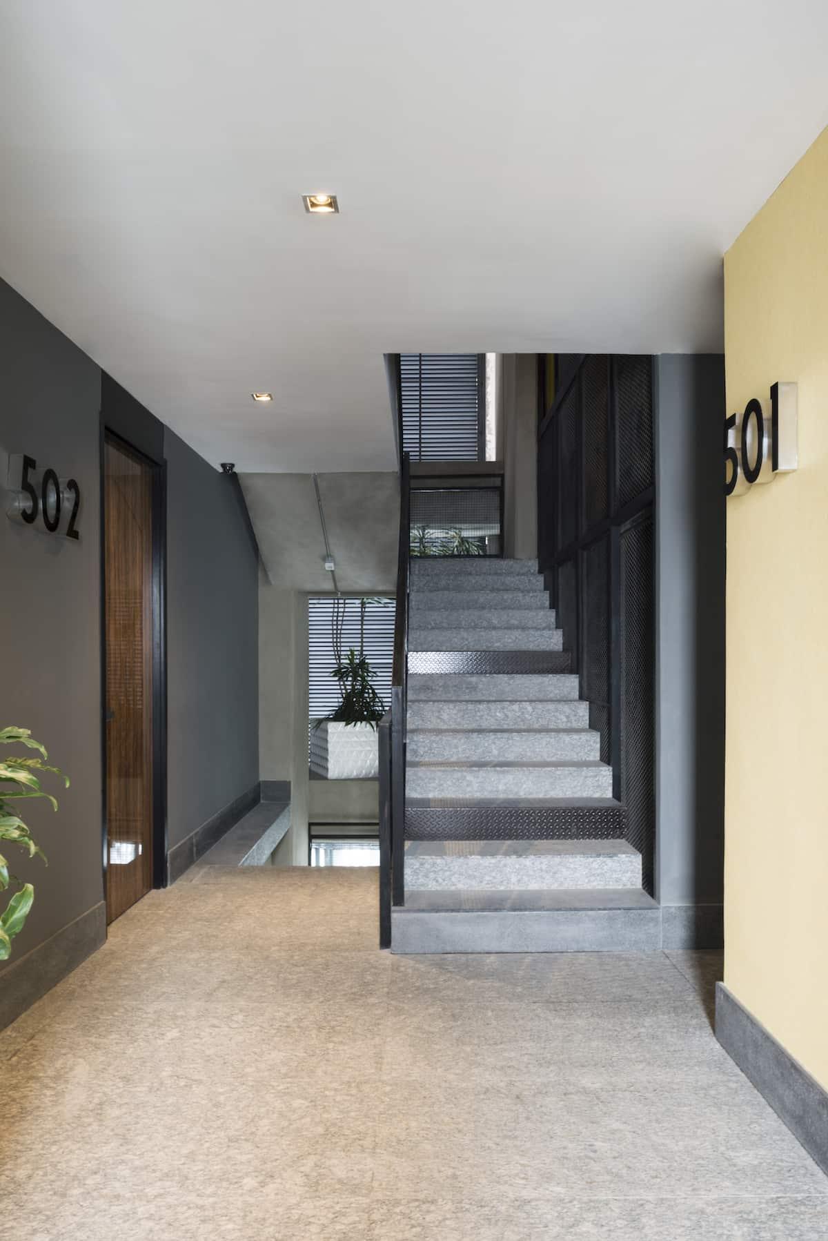 loreta-vertical-house-17