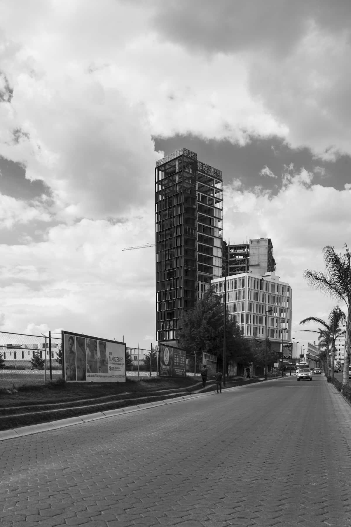 loreta-vertical-house-19